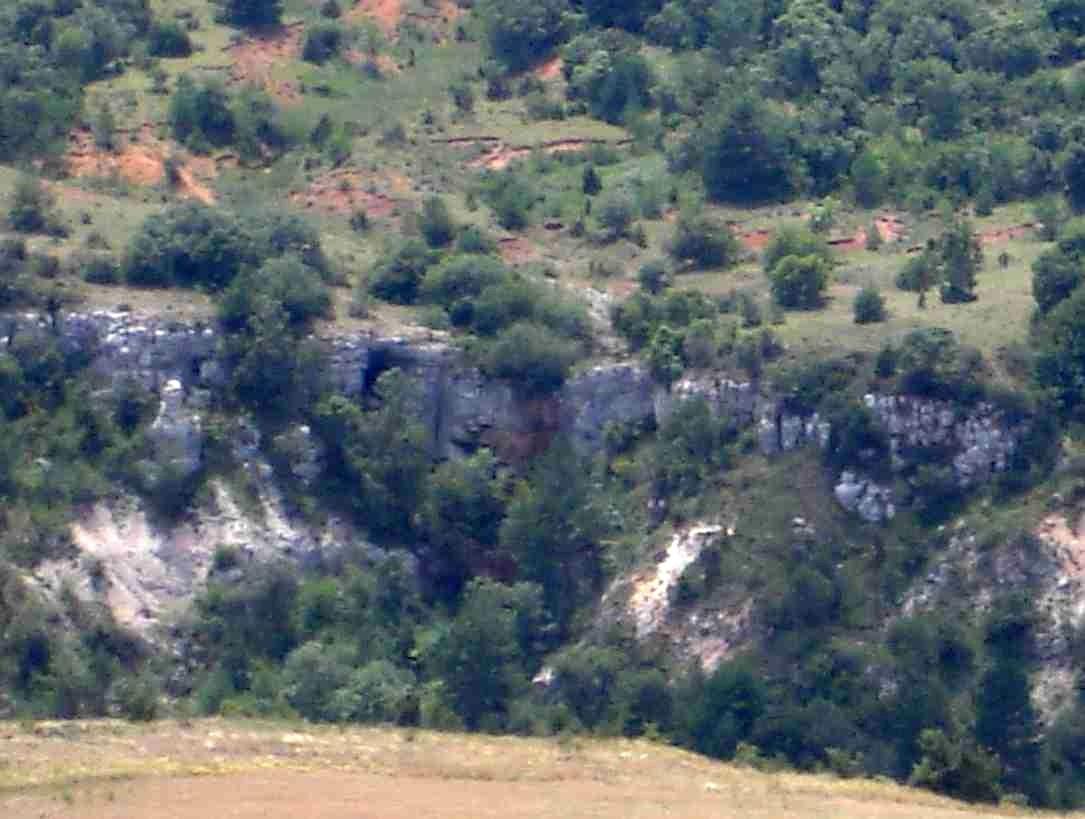 Vue extérieure de la Grotte du Fournet